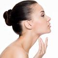 Làm đẹp - Chăm sóc vùng da cổ đúng cách