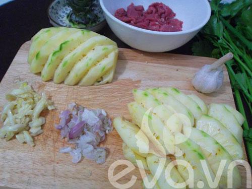 Thịt bò xào dứa đơn giản, dễ ăn - 3