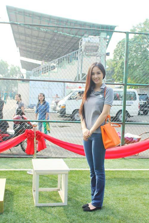 mai phuong thuy 'mat diem' vi jeans - 1