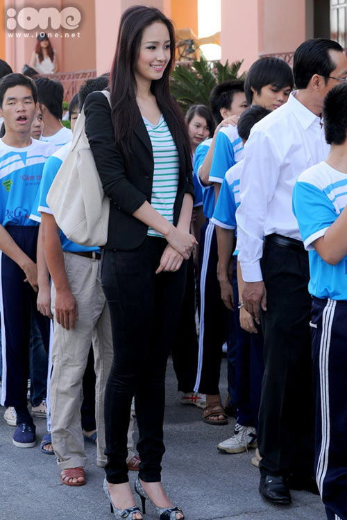 mai phuong thuy 'mat diem' vi jeans - 6