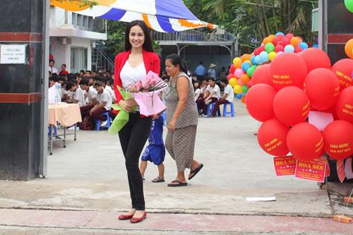 mai phuong thuy 'mat diem' vi jeans - 7