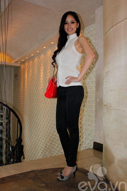 mai phuong thuy 'mat diem' vi jeans - 5