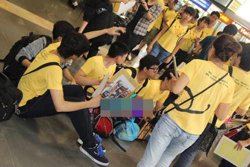fans t-ara dien dong phuc vang don than tuong - 1
