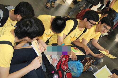 fans t-ara dien dong phuc vang don than tuong - 3