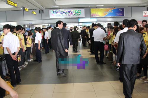 fans t-ara dien dong phuc vang don than tuong - 8