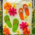 Nhà đẹp - Cờ hoa rực rỡ gọi hè đến nhanh