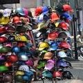 Tin tức - 12 điểm đổi mũ bảo hiểm dỏm lấy xịn ở Hà Nội