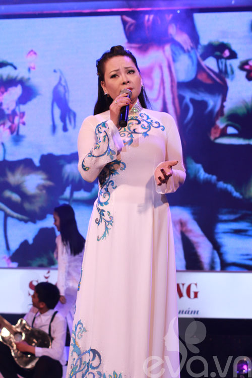 phi nhung duom buon trong dem dien - 9