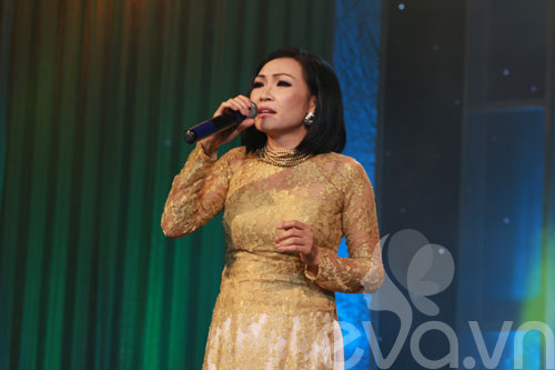 phi nhung duom buon trong dem dien - 8