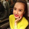 Làng sao - Angela Phương Trinh nổi bật trên máy bay