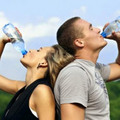 Sức khỏe - Uống nước đúng cách trong mùa nóng