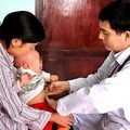 Tin tức - Gia đình có 4 trẻ sơ sinh cứ bú mẹ là tử vong