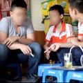 Tin tức - Giật mình nhìn học sinh hút thuốc, chửi bậy