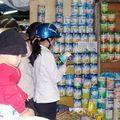 Tin tức - Sữa bột tăng giá lần 3 do thay đổi bao bì