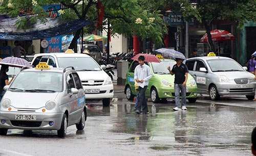 tang theo xang dau: cuoc taxi tang them 5 %– 6% - 1