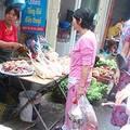 Tin tức - Giá thực phẩm rục rịch tăng theo xăng
