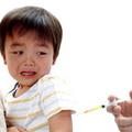 Giúp bé giảm đau khi tiêm