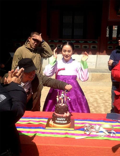kim tae hee don sinh nhat xa ban trai - 5