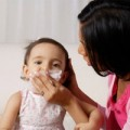 Sức khỏe - Mùa lạnh, đề phòng bệnh cúm cho trẻ em
