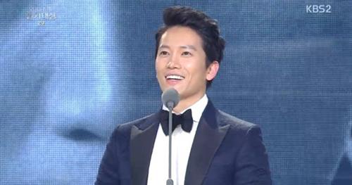 kim hye soo dai thang tai kbs drama awards 2013 - 2