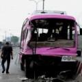 Tin tức - Xe khách gặp nạn, bé 1 tuổi bị rớt xuống đường