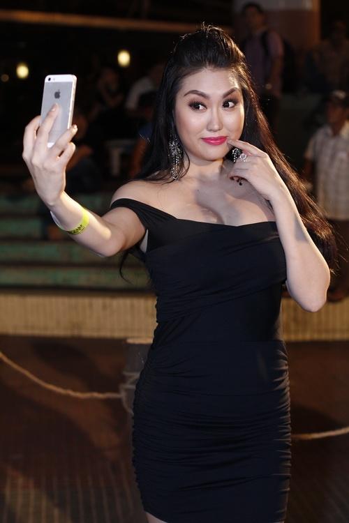 phi thanh van uon eo ben nguoi rung tarzan - 8