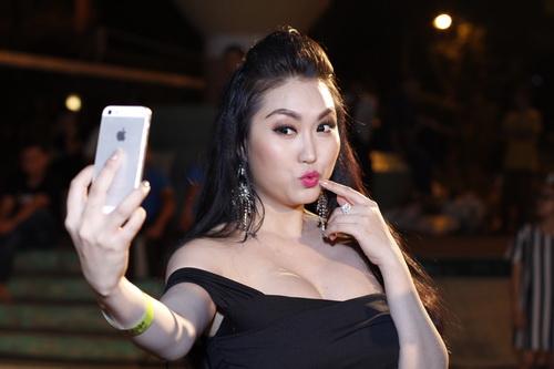 phi thanh van uon eo ben nguoi rung tarzan - 9