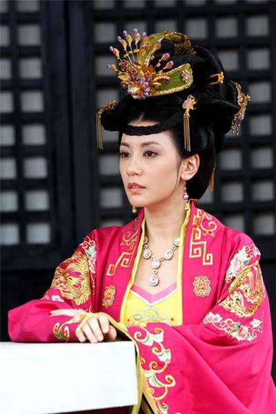 thai binh cong chua, thong minh nhung chet tham - 1