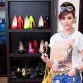 Choáng trước tủ giày hoành tráng của sao Việt