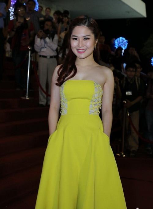 "angela phuong trinh ""de bep"" dan hot girl viet - 13"