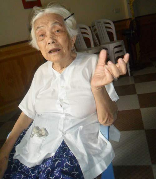 "chuyen ""ba tien"" hon 20 nam ban rau lam phuc - 1"