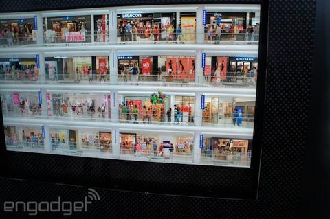 samsung choi troi voi chiec tv 98 inch do phan giai 8k - 3