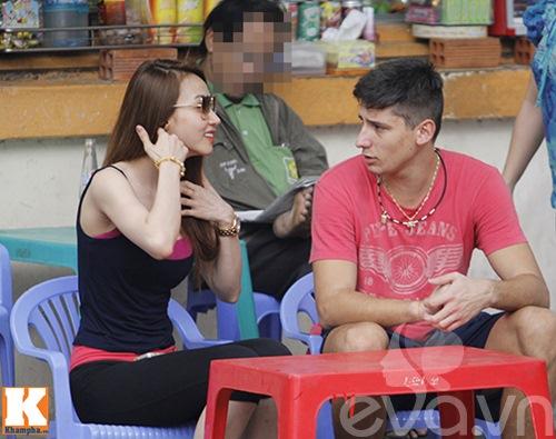"ngan khanh ""veo ma"" ban trai tay giua pho - 5"