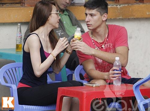 "ngan khanh ""veo ma"" ban trai tay giua pho - 7"