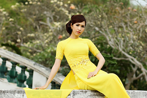 phan thu quyen an tuong voi gam vang chanh - 7