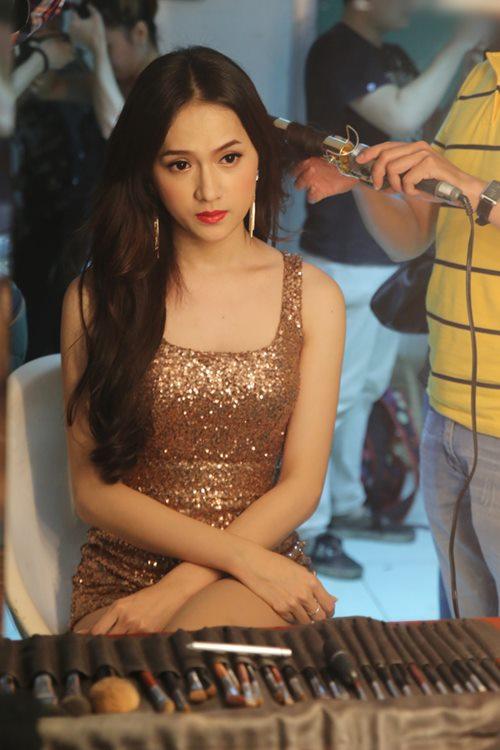 "huong giang idol sexy ""tu nha ra pho"" - 3"
