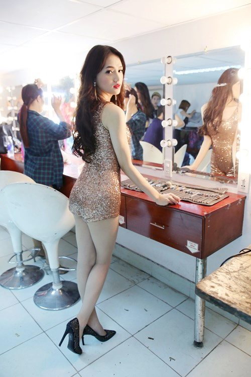 "huong giang idol sexy ""tu nha ra pho"" - 6"