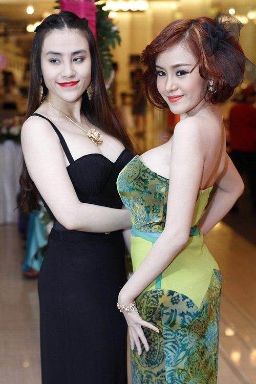 ba tung khoe vong 1 ben lam chi khanh - 7