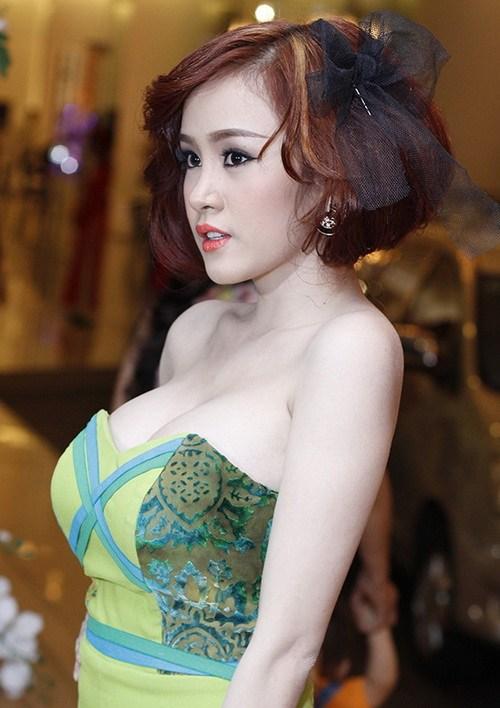 ba tung khoe vong 1 ben lam chi khanh - 9