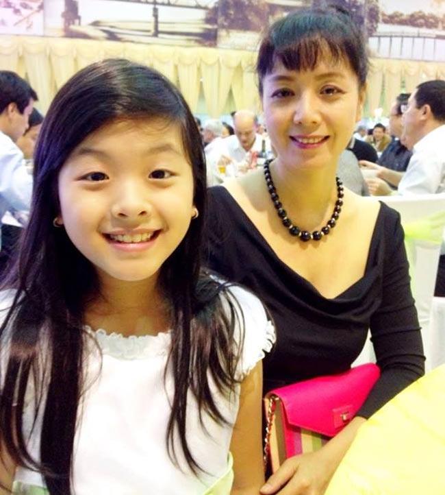 Đỗ Thị Hồng Khanh - cô bé 9 tuổi với gương mặt lí lắc, nhí nhảnh cùng giọng hát cao vút như thiên thần từng gây bão cuộc thi Giọng hát Việt nhí 2013 giờ đã rất lớn xinh và ra dáng thiếu nữ.
