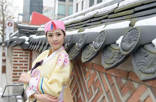 ngoc han va bo me xung xinh hanbok - 7
