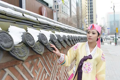ngoc han va bo me xung xinh hanbok - 8