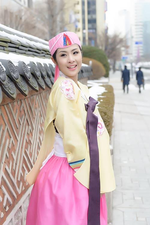 ngoc han va bo me xung xinh hanbok - 12