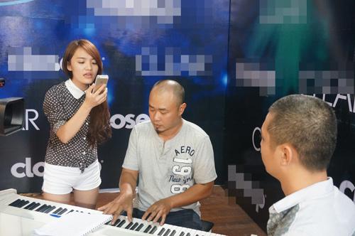 "top 9 idol ""toat mo hoi""chuan bi cho dem gala - 15"