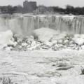 Tin tức - Mỹ: Thác nước đóng băng trong đợt lạnh kỷ lục