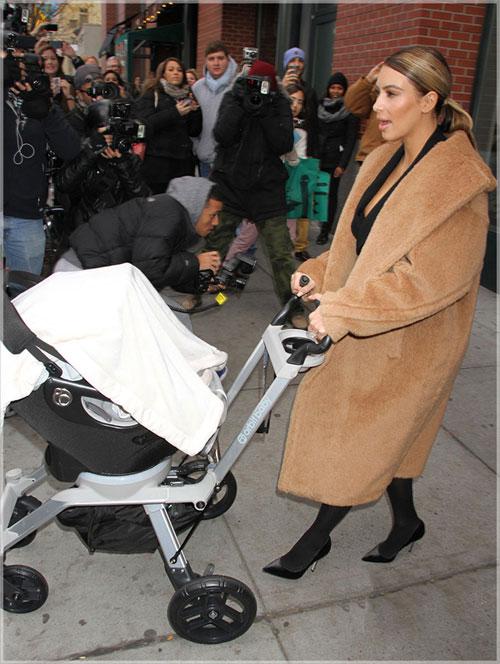 mot ao khoac nham chan cua kim kardashian - 6