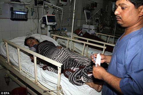 pakistan: xe tai tong xe buyt, 19 hs thiet mang - 2