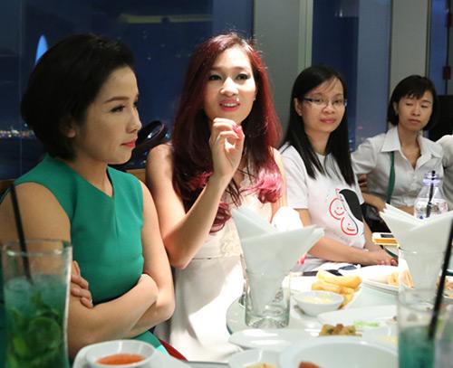 my linh, thu huong trai long chuyen chong con - 4