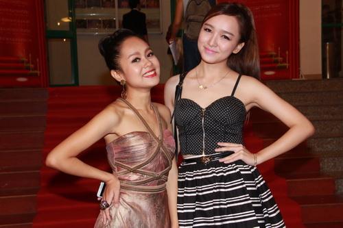hot girl kelly khoe hinh xam co mot khong hai - 14