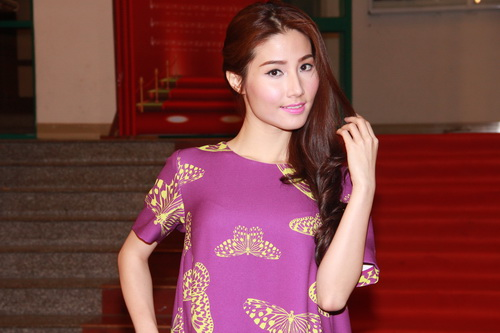 hot girl kelly khoe hinh xam co mot khong hai - 9